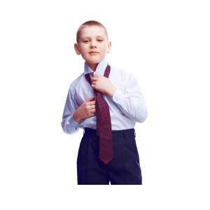 jongen in pak